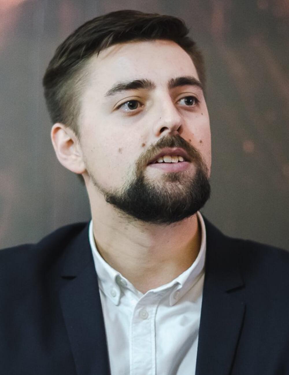 Серж Харитонов, Эксперт